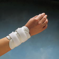 Hand Amp Wrist Splints Bracing Amp Supports At Meyer Physical
